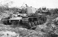 KV-1 Heavy Tanks near Leningrad. 1941 #worldwar2 #tanks