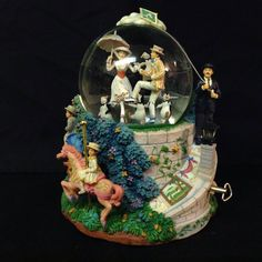 RARE Disney Mary Poppins LET'S GO FLY A KITE Musical Moving Figurine Snowglobe-