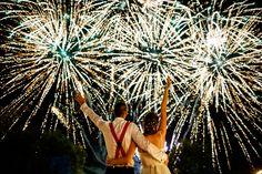 Artificii la fel de strălucitoare ca iubirea lor. 😍 Foto: Marius Barbulescu Wedding Photoshoot, Wedding Pics, Wedding Fireworks, London Photographer, Bride And Groom Pictures, Best Wedding Photographers, Cool Photos, Amazing Photos, Instagram Images