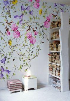 Wall&Decò #wallpaper #flower #bookshelves #color