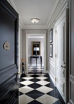 St Regis Hotel New York, checkered floor design. Black And White Interior, Black And White Tiles, Black White, White Marble, Black And White Flooring, Black Milk, Home Staging, Floor Design, House Design