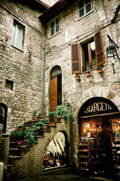 assisi, umbria - so many quaint shops and things to see...and buy!