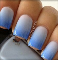 Get this amazing cool to the eyes ombre blue nail art for your nails. See the essentials needed to DIY this manicure. Stylish Nails, Trendy Nails, Fancy Nails, Diy Nails, Blue Ombre Nails, Gradient Nails, White Nails, Ocean Blue Nails, Aqua Nails