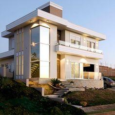 60 fachadas de sobrados modernos que você vai amar Bungalow House Design, Modern House Design, Modern Exterior, Exterior Design, Home Architecture Styles, Beautiful Modern Homes, Dream House Exterior, Home Design Plans, House Goals