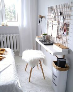 [ Sheepskin Cody, smooth Time to work! A practical grille, a trendy paperbag, practical deco accessories in the typo look and a cuddly fur. Done is a small but nice home office with a lot of style. // Home office desk workstation