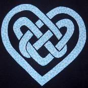Celtic Knot Heart 2 Applique - via @Craftsy