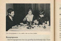 Een bourguignonne is iets ander dan een kaas-foundue. Een bourguignonne kan een gezellig familiefestijn zijn. From Kom aan tafel (come to the table), Netherlands, 1962