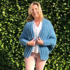 NIEUWE WORKSHOP : Tunisch gehaakte lentevest – Het Betere Bolwerk Vest, Crochet, Sweaters, Golf, Fashion, Moda, La Mode, Crochet Crop Top, Sweater