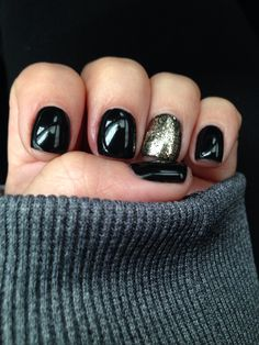 New Year's Eve nails black and gold