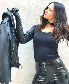 Black Leather Gloves, Leather Skirt, Latex Fashion, Fashion Models, Black Milk, Sexy High Heels, Sexy Outfits, Hot Girls, Lady