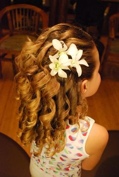 Flowers In Hair For Wedding Updo Girl Hairstyles Ideas Wedding Hairstyles For Girls, Flower Girl Hairstyles, Little Girl Hairstyles, Cute Hairstyles, Hairstyle Photos, Veil Hairstyles, Ringlet Curls, Kids Hair Bows, Pageant Hair