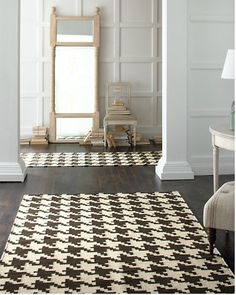 Giant houndstooth rug. Garnet Hill.you would def. hav to hav the right house and furniture but sooo cute!