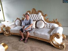 Royal Bedroom, Headboards For Beds, Cool Furniture, Luxury Homes, Toddler Bed, Dressing, Sofa, Inspired, Clothes