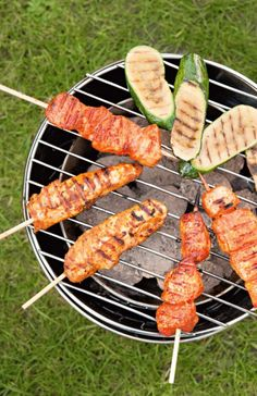 BBQ food  #guysandgirlsbehindthegrill Backyard Cookout, Cookout Food, Barbecue Recipes, Grilling Recipes, Bbq Zucchini, Decadent Food, Summer Barbeque, Fire Cooking, Best Bbq