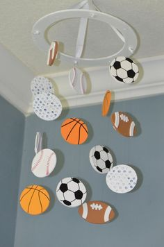 Sports Baby Mobile & Lil& Champ Sport Kindergarten Mobile & Fußball Baseball Fußball Basketball & von FlutterBunnyBoutique The post Sport-Baby-Mobile & Lil & & Sport appeared first on Rustic nursery ideas . Baby Boy Nursery Themes, Nursery Decor Boy, Girl Decor, Baby Boy Rooms, Baby Boy Nurseries, Nursery Room, Nursery Ideas, Sports Themed Nursery, Rustic Nursery