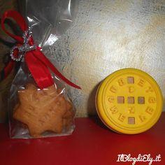 Biscotti con auguri di Natale da regalare