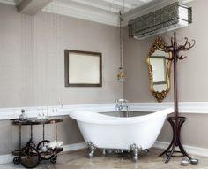 Arredo vintage per il bagno - Vasca bianca per arredare un bagno in stile vintage.
