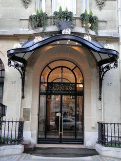 Hotel Plaza Athenee - PARIS -Trip Advisor review : http://www.tripadvisor.com/ShowUserReviews-g187147-d188730-on23-Hotel_Plaza_Athenee-Paris_Ile_de_France.html#UR121572495