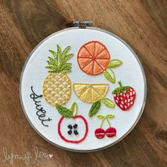 Embroidery Hoop Crafts, Simple Embroidery, Embroidery Patterns Free, Modern Embroidery, Embroidery For Beginners, Hand Embroidery Patterns, Embroidery Kits, Embroidery Stitches, Broderie Simple