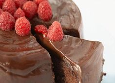 Unbaked chocolate cake without flour and eggs