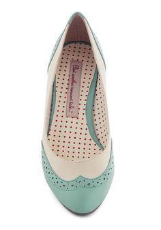 Women's Shoes: Cute Retro & Modern Styles Sweet Spectator Heel in Mint. You wander the kitchens at the bake-off, admiring mouth-watering recipes as sweet as your vintage-inspired kitten heels by Bait Footwear. Sock Shoes, Shoes Heels, Pumps, Mint Wedding Shoes, Vintage Heels, Retro Vintage, Spectator Shoes, Beautiful Shoes, Modcloth