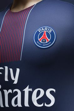 Zoom on the new Paris Saint-Germain Jersey 16-17