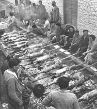 List of holidays,festivals, carnivals, saints days and celebrations in Greece Old Photos, Vintage Photos, Black White Photos, Black And White, Greece Pictures, Saints Days, Greece Holiday, Yesterday And Today, Holiday Festival