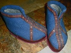 Modern recreation of Ecclesiastic Medieval felt boots, with tutorial.