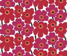 Det klassiska blommönstret Unikko från Marimekko 4 17904. Klicka för att se fler inspirerande tapeter för ditt hem!