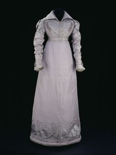 Dress 1817-1820 The Victoria & Albert Museum
