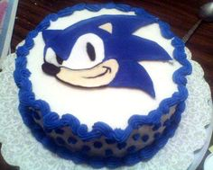 Sonic cake! Doesn't look too difficult!