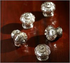Ugh, why did I have to find these, I'm in love, but 9 dollars?!?  I might have to try to make some faux ones!!  Mercury Glass Knob