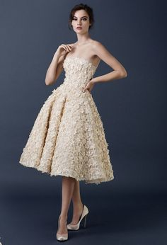 middle dresses, light dresses, romantic style, woman, high heels