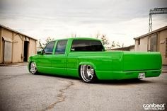 I really fancy this color scheme for this red chevrolet silverado Bagged Trucks, Trucks Only, Lowered Trucks, Dually Trucks, Mini Trucks, Cool Trucks, Pickup Trucks, Cool Cars, 85 Chevy Truck