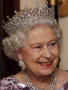 короны английской королевы: 11 тыс изображений найдено в Яндекс.Картинках