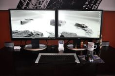 mac-laptop-dual-monitor