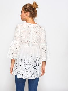SheIn offers Eyelet Embroidered Scallop Trim Smock Blouse & more to fit your fashionable needs. Blouse Styles, Blouse Designs, Saree Jackets, Romwe, Sewing Blouses, Basic Tops, White Style, White Fashion, Smocking