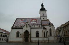 zagreb의 랜드마크 st. Mark 성당... 타일의 지붕이 방금 동화 속에서 튀어나온 것 같다...