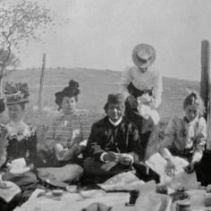 Tea time with #Vivekananda. Pasadena, California, circa 1900. #swami #guru #pioneer #yogahistory