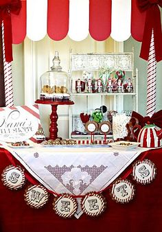red and white dessert bar AND a dynamic cake