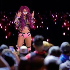 wwe #TheBoss doesn't just walk into the room, she owns it! #LegitBoss #RAW @sashabankswwe 2017/10/30 10:35:25