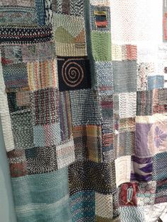lookingelsewhere:  Quilt artist – Akiko Ike. The fabrics are sewn on a layer. http://coloursandfabrics.blogspot.ca/2014/05/pour-lamour-du-fil-nantes-2014-and.html