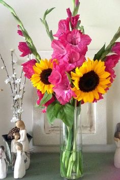 New Birthday Flowers Arrangements Pink 49 Ideas Sunflower Arrangements, Sunflower Bouquets, Small Bouquet, Sunflower Weddings, Sunflower Cakes, Wedding Bouquets, Wedding Flowers, Pink Sunflowers, Sunflower Baby Showers