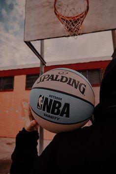 Basketball Tumblr, Basketball Art, Basketball Pictures, Black Aesthetic Wallpaper, Aesthetic Iphone Wallpaper, Aesthetic Wallpapers, Nike Wallpaper, Galaxy Wallpaper, Sports Wallpapers