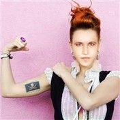 Ethero Reynolds by yecallekim  60th place entry in Gender Bending 12  This is Ryan Reynolds on Estheros body