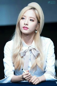 Your number one Asian Entertainment community forum! Kpop Girl Groups, Korean Girl Groups, Kpop Girls, Bubblegum Pop, Kim Hyun, Space Girl, Cosmic Girls, Korean Music, These Girls