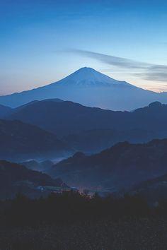 [黒雲] Fuji-san by Hiroshi Onoue | Yuga Kurita