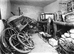 El tesoro de la tumba de Tutankamón tal como lo encuentra Howard Carter en 1922.