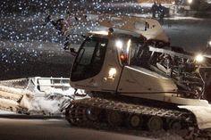 Erlebnisnacht - inklusive PistenBully Parade und krönendem Feuerwerk. https://www.youtube.com/watch?v=rCvCx9EUWU0  #silvrettamontafon #night #snow #exclusive