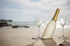Três drinques à base de vinho para você se refrescar no verão · Revista ADEGA